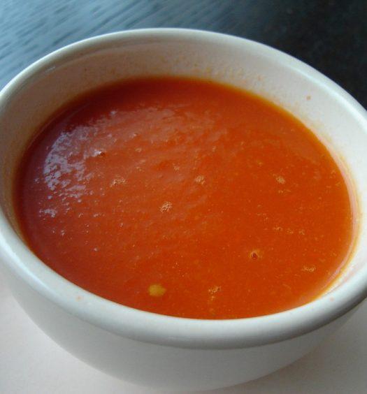 pittige tomaten paprikasoep