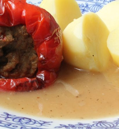 Gehakt, aardappelen en paprika