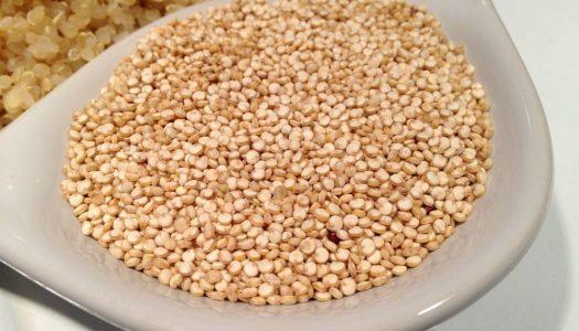 Ontbijtgerecht met Quinoa, banaan en walnoot